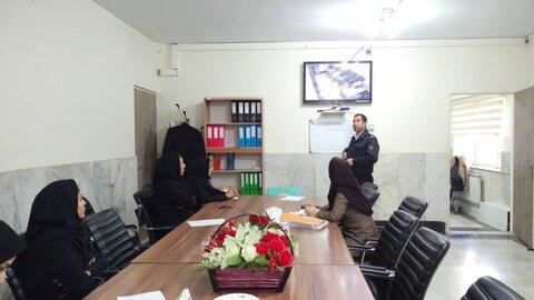 فردیس| برگزاری جلسه بانوان همیار پلیس بهزیستی فردیس