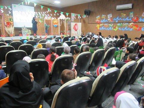 روز به یاد ماندنی برای کودکان بردسیری در آیین گرامیداشت پیروزی انقلاب اسلامی