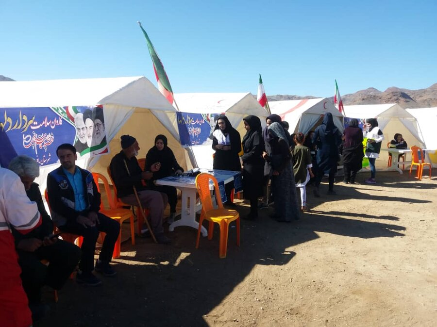 خدمات رایگان بنیاد فرزانگان بهزیستی بافت در اردوی جهادی روستای چاه زاغ خبر