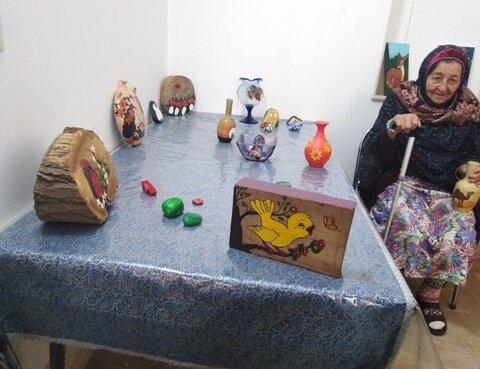 نمایشگاه توانمندیهای سالمندان زرتشتی در یزد گشایش یافت