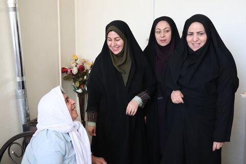 بازدید مدیر کل دفتر امور زنان و خانواده استانداری از مرکز مادر