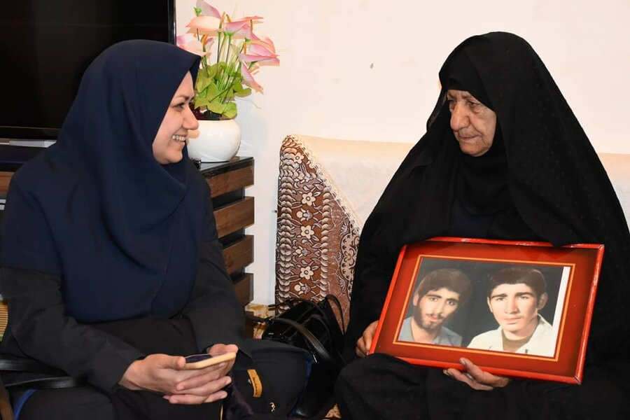 دیدار با خانواده شهدا به مناسبت چهل و یکمین سال پیروزی انقلاب اسلامی