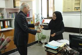 دکتر حاجیونی به مناسبت روز مادر از بانوان شاغل در اداره کل بهزیستی استان تجلیل کرد + تصاویر