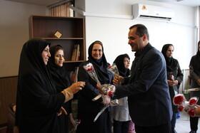 گزارش تصویری| مدیرکل بهزیستی استان به مناسبت روز زن با بانوان همکار دیدار کرد