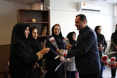 گزارش تصویری  مدیرکل بهزیستی استان به مناسبت روز زن با بانوان همکار دیدار کرد