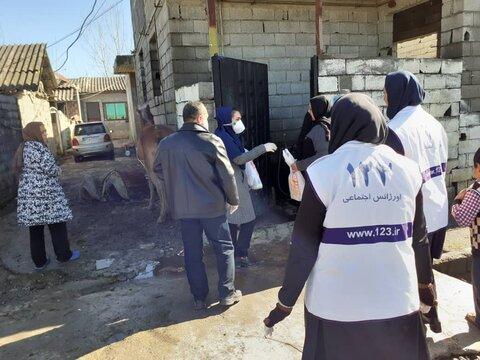 توزیع لوازم بهداشتی در مناطق کم برخوردار توسط کارشناسان اورژانس اجتماعی