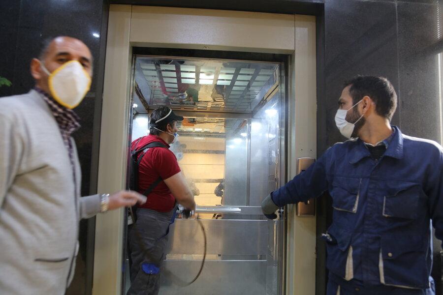 گزارش تصویری| عملیات ضد عفونی نقاط مختلف ساختمان ستاد بهزیستی کشور