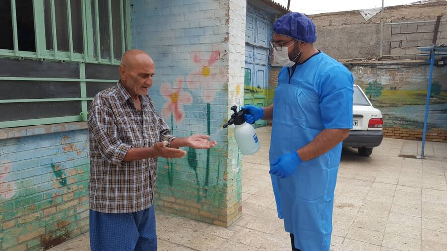 ضدعفونی و پیشگیری  از شیوع ویروس کرونا در مراکز دولتی و غیر دولتی خوزستان