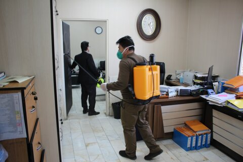 گزارش تصویری | ضدعفونی و گندزایی محیط اداره کل بهزیستی استان در جهت پیشگیری از کرونا ویروس