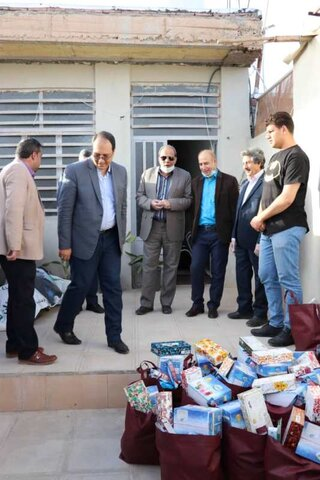اهداء یکصد سبد مواد غذایی و بهداشتی به مددجویان بهزیستی