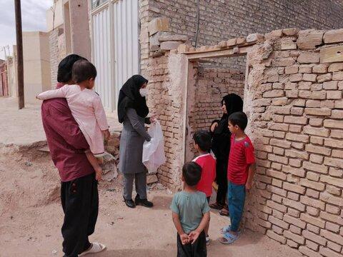 توزیع 250 بسته بهداشتی بین کودکان کار و آموزش آنها برای مقابله با کرونا