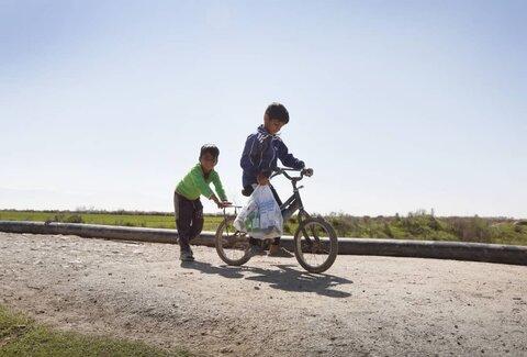گزارش تصویری توزیع اقلام بهداشتی و آموزش پیشگیری از بیماری های ویروسی درمیان کودکان کار و خیابانی