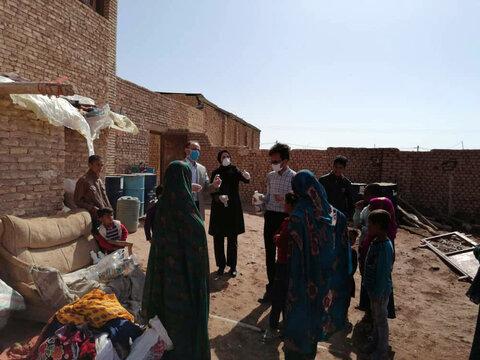 توزیع اقلام بهداشتی و آموزش نکات بهداشتی بین کودکان کار ساکن در سکونتگاهها غیررسمی یزد منطقه کشتارگاه