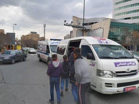 گزارش تصویری|توزیع پک بهداشتی میان کودکان کار بهزیستی آذربایجان شرقی