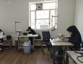 بازدید  نماینده مردم در مجلس شورای اسلامی از خط تولید ماسک های بهداشتی