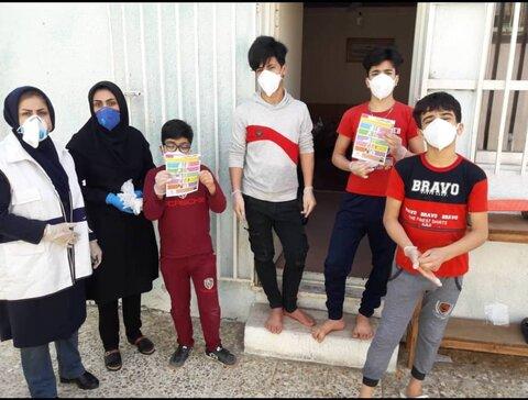 توزیع لوازم بهداشتی در مناطق حاشیه مازندران