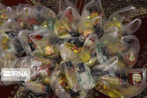 توزیع ۱۲۰ بسته مواد بهداشتی بین خانواده های کودکان کار در بروجرد