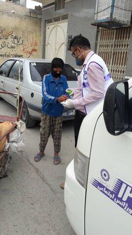 آموزش و توزیع پک بهداشتی پیشگیری از کرونا دربین کودکان کار و افراد آسیب پدیر توسط اورژانس اجتماعی
