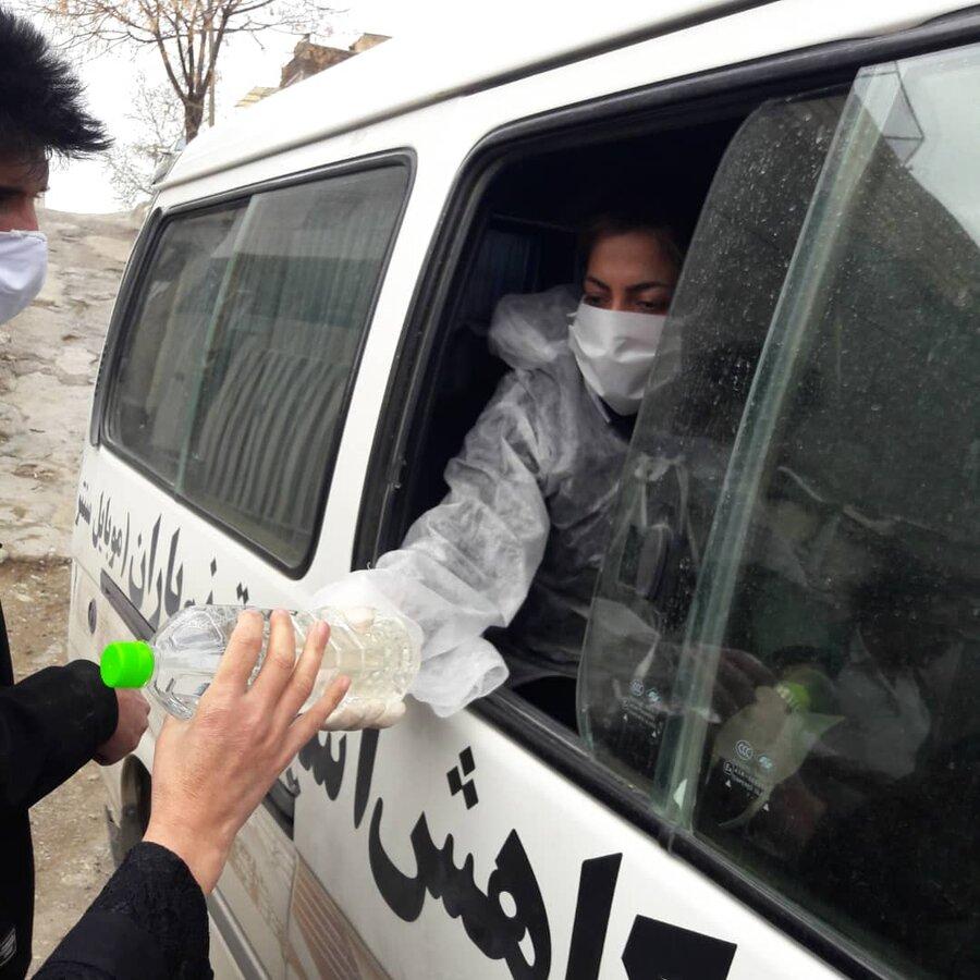 گزارش تصویری| ارائه خدمات پیشگیری از کرونا در مناطق پر خطر تجمع معتادان