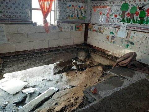 دو مهدکودک در قلعه گنج از جاری شدن سیل خسارت دیدند