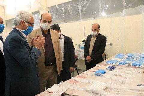 بازدید مدیرکل بهزیستی استان کرمان از فاز سه کارگاه تولید ماسک و گان پایگاه خدمات اجتماعی شهر کرمان