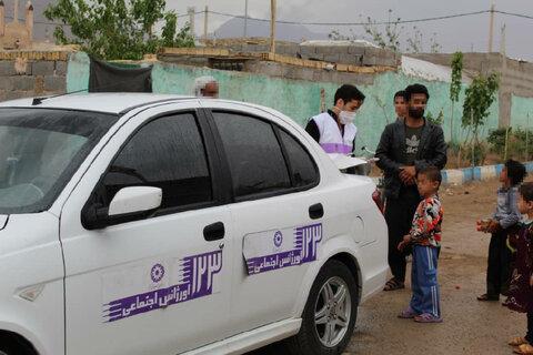 گزارش تصویری | توزیع اقلام بهداشتی توسط تیم اورژانس اجتماعی بهزیستی در مناطق حاشیه ای شهرستان تفت