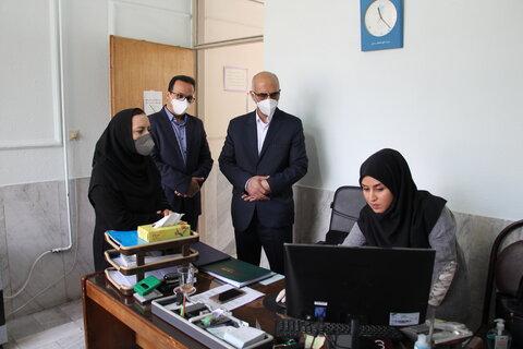 بازدید مدیرکل و هیات همراه از مرکز مداخله در بحران های اجتماعی شهرستان سمنان