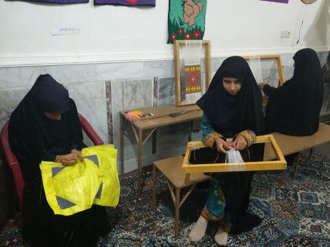 ۷۰۰ سبد غذایی و بهداشتی بین اقشار آسیبپذیر دلگان توزیع شد