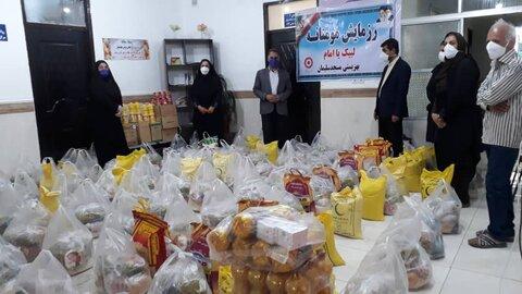 مسجدسلیمان|150بسته غذایی در پویش همدلی مومنانه بین مددجویان توزیع شد