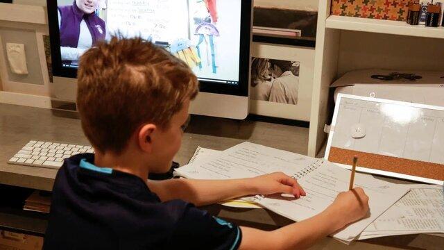 در روزهای کرونایی امنیت آنلاین برای کودکان فراهم کنیم