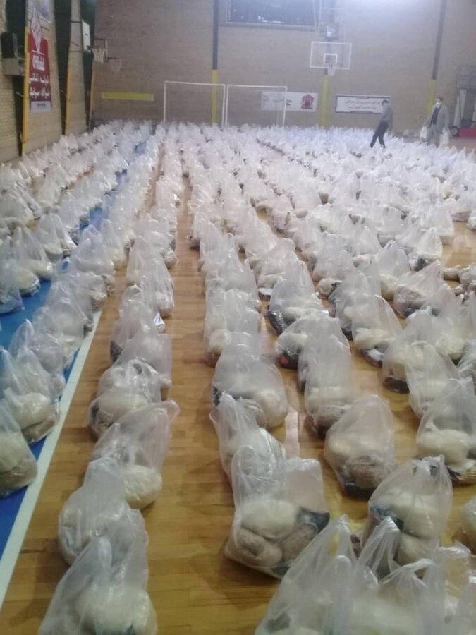 گزارش تصویری   توزیع ۱۵۰۰ بسته  اقلام خوراکی در محلات آسیب خیز