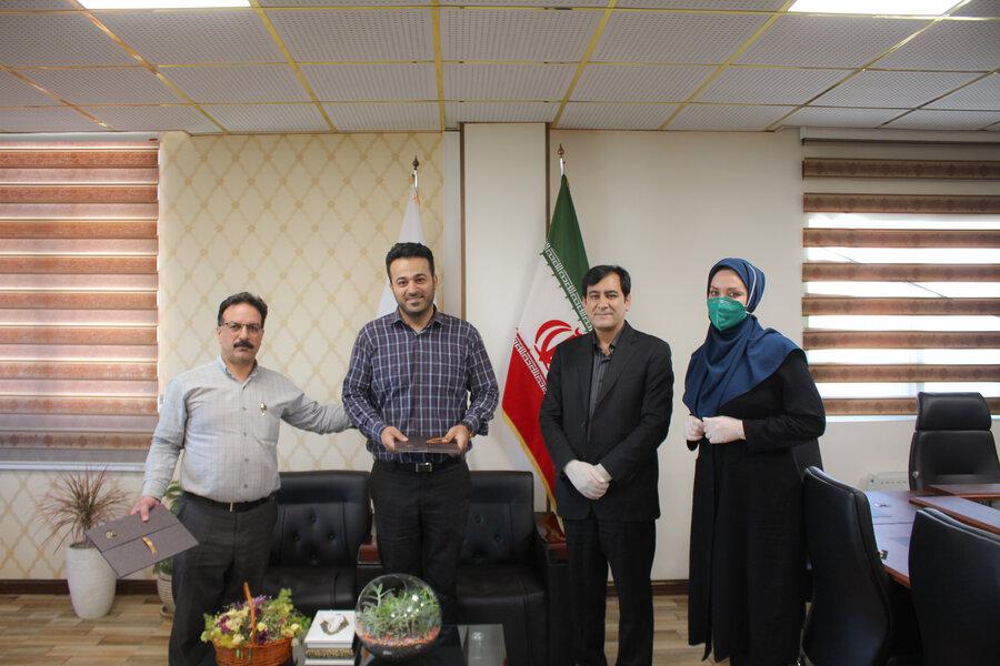 مدیرکل بهزیستی استان البرز از کارکنان دفتر روابط عمومی تقدیرو تجلیل به عمل آورد.