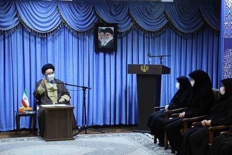 دیدار مدیر کل بهزیستی آذربایجان شرقی با نماینده ولی فقیه در استان