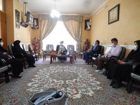 امام جمعه بافت در دیدار با کارکنان بهزستی : باید با مشاوره های چهره به چهره سطح آگاهی افراد را افزایش داد