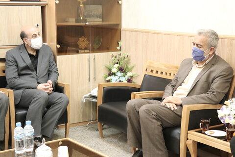 در دیدار مدیرکل کمیته امداد امام خمینی (ره) با مدیرکل بهزیستی استان کرمان بر استفاده از ظرفیت ها ی استانی در خدمت رسانی تاکید شد