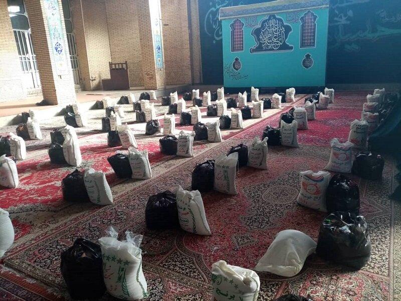 توزیع ۳۰۰ بسته مواد غذایی بین مددجویان بهزیستی در کوهبنان