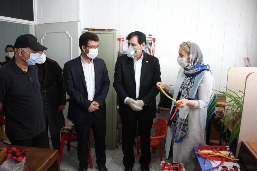 بازدید دکتر اسدالله حیدری مدیرکل بهزیستی استان البرز از کارگاه تولید لباس های فضایی ویژه معلولین