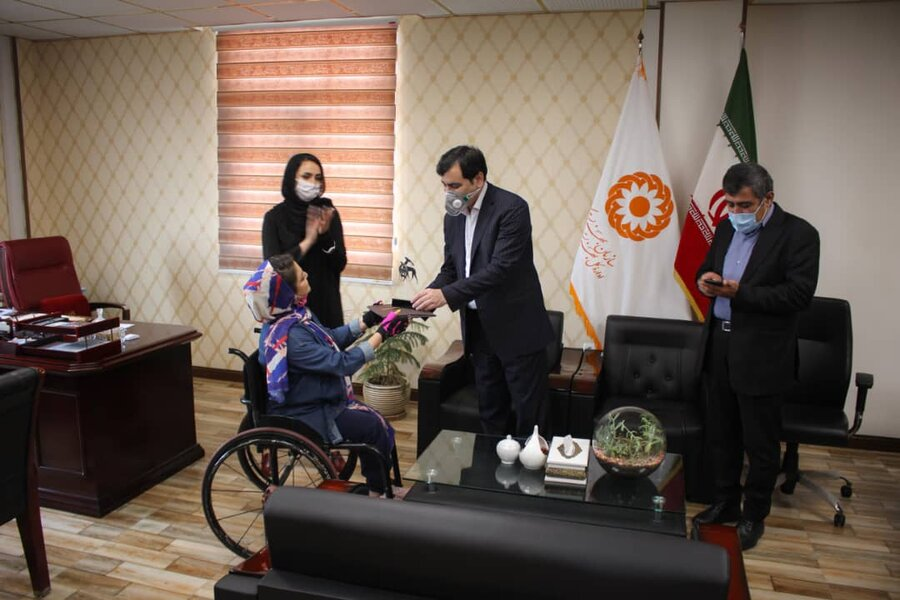جوایز مسابقات توانیاب برتر توسط مدیرکل بهزیستی استان به این عزیزان اهداء شد
