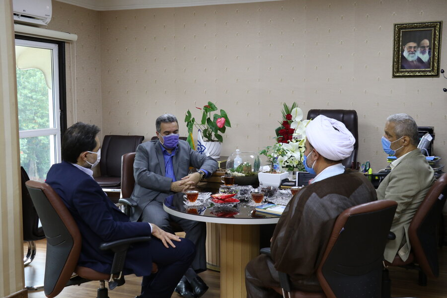دیدار دکتر حسین نحوی نژاد با مدیرکل بیمه سلامت استان گیلان