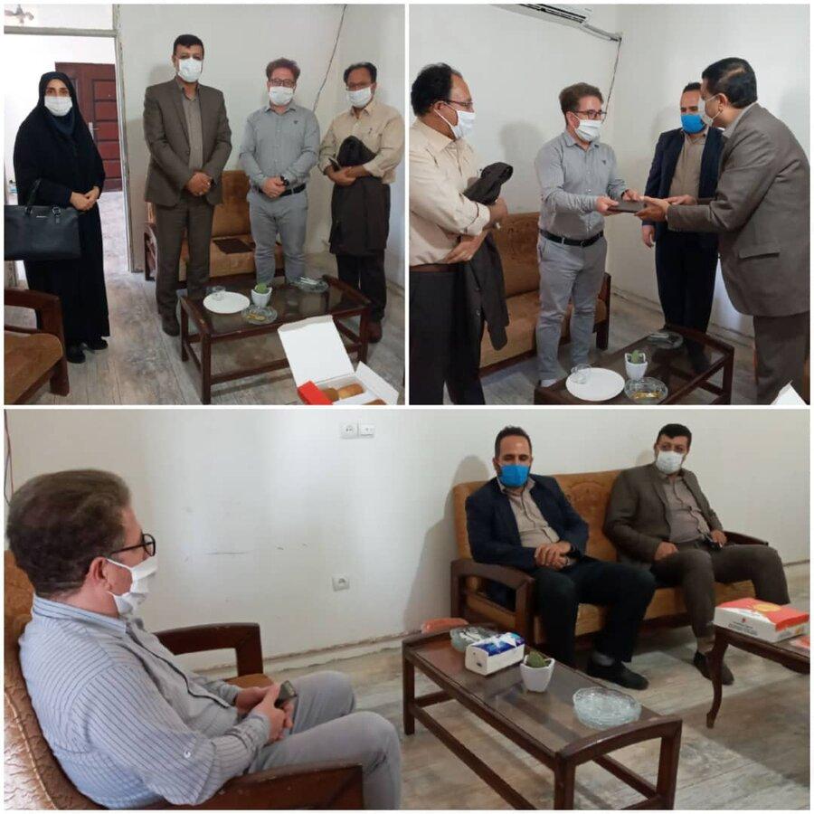 نظرآباد | نشست صمیمانه رئیس بهزیستی شهرستان نظرآباد با یکی از خبرنگاران البرزی