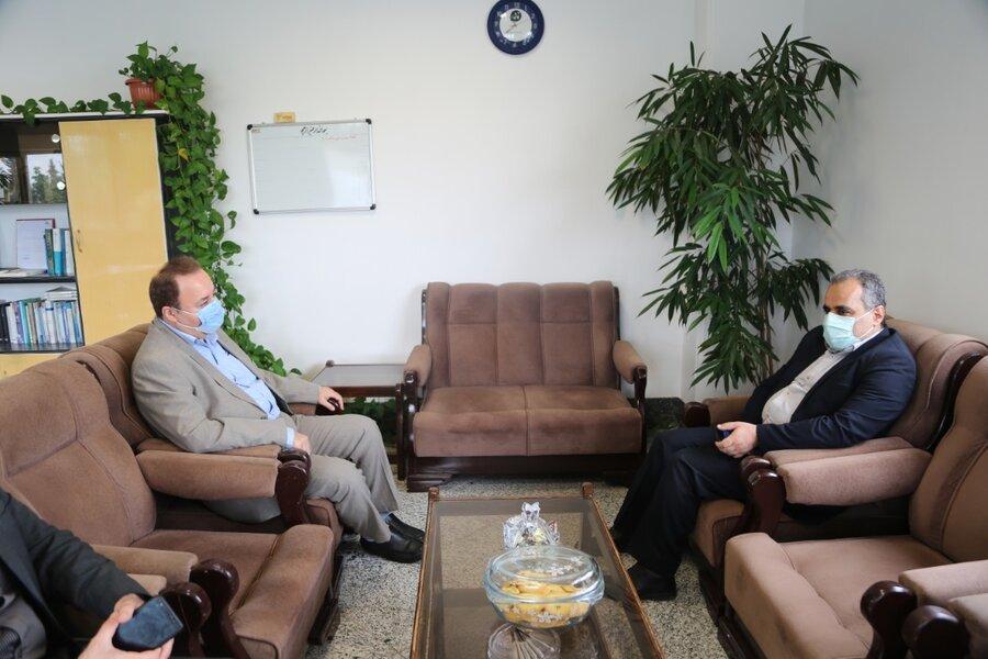 مدیر کل بهزیستی مازندران با حضور در واحد خبر صدا و سیمای استان روز خبرنگار را تبریک گفت