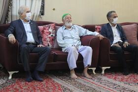 دکتر حاجیونی به مناسبت عید غدیر با خانوادههای سادات تحت پوشش دیدار کرد+ تصویر