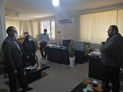 ورامین  رئیس بهزیستی ورامین به دفتر صدا و سیما رفت
