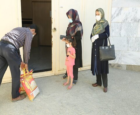 کمکهای مومنانه بانک ملی به مددجویان تحت پوشش بهزیستی استان کردستان