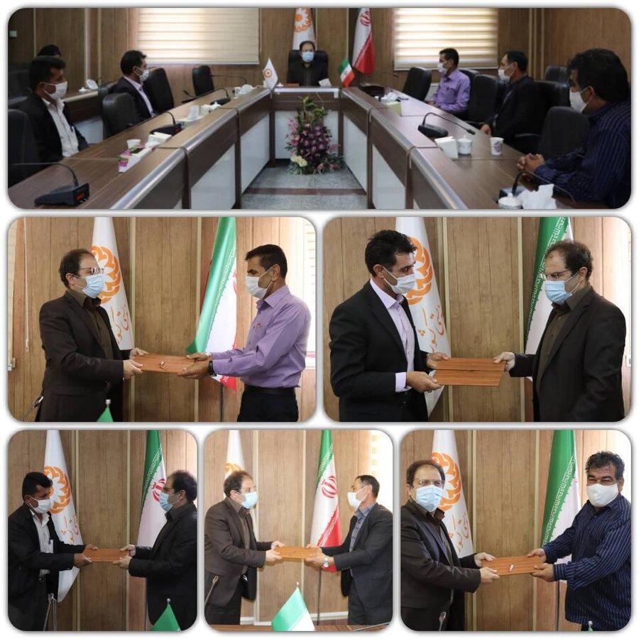 مراسم تجلیل مدیرکل بهزیستی آذربایجان غربی از همکاران آزاده بهزیستی استان