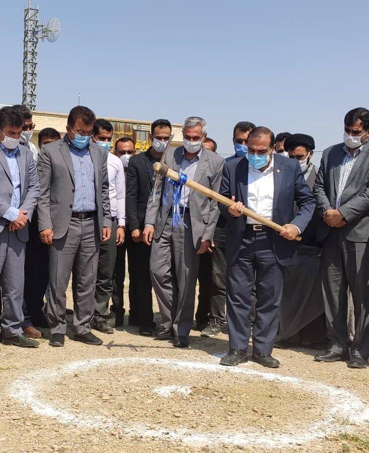 کلنگ احداث پروژه ساخت و احداث مسکن مددجویان بهزیستی در خرامه به زمین زده شد