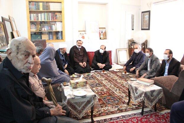 اصفهان گزارش تصویری  دیدار با خانواده شهید حسن غازی در آستانه هفته دفاع مقدس