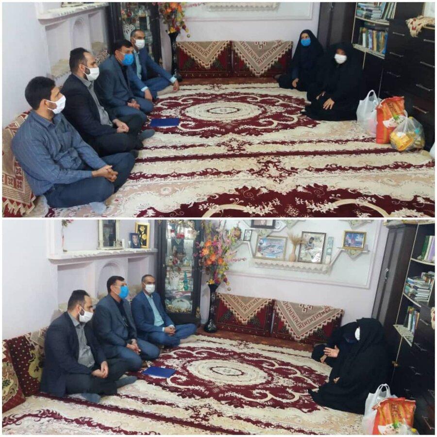 نظرآباد | دیدار رئیس بهزیستی نظرآباد با خانواده معظم شهداء
