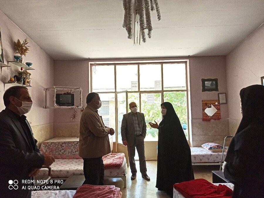 بازدید مدیرکل بهزیستی استان کرمانشاه از واحدهای قرنطینه مراکز نگهداری شبانه روزی سالمندان