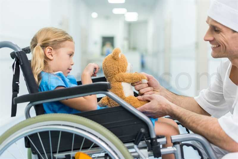 مهارت زندگی/ چطور با یک فرد معلول رفتار کنیم؟